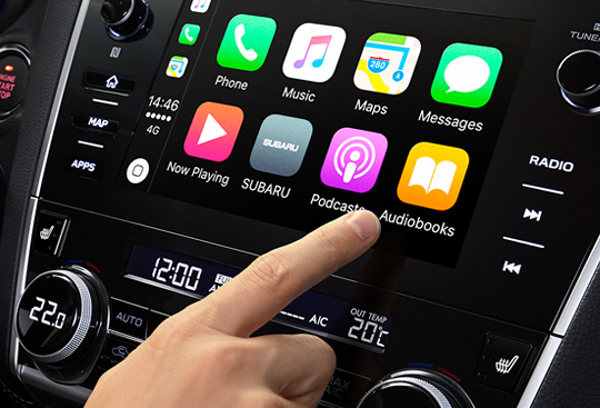Apple CarPlay<sup>*(2)</sup> and Android Auto™<sup>*(3)</sup>